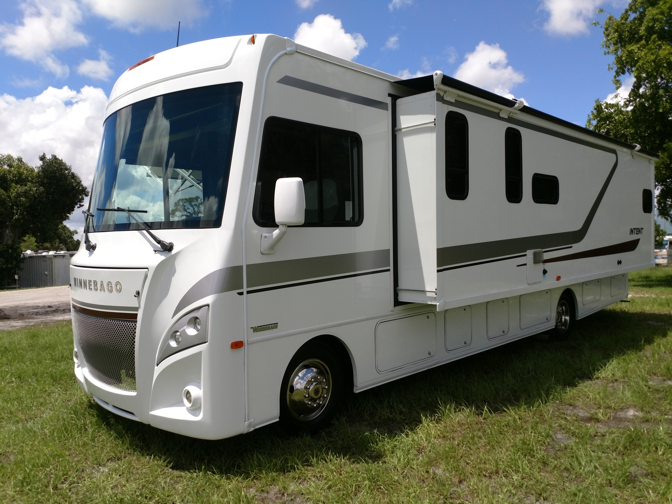 Importance of RV Service in Fort Lauderdale